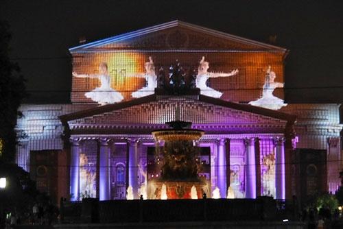 ボリショイ劇場の前面を利用したプロジェクション・マッピングは見応えがあった
