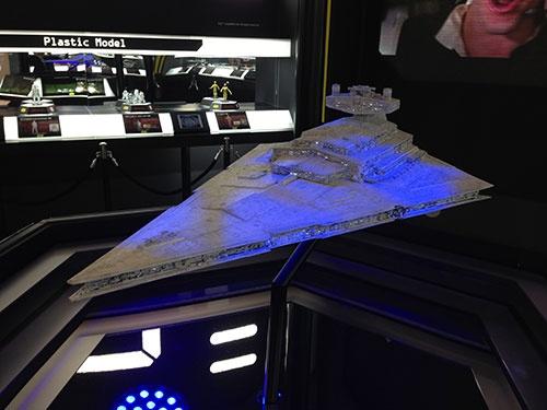 東京おもちゃショーに出展したスター・デストロイヤーの巨大模型は来場者の注目を集めた(写真:© & ™ Lucasfilm Ltd.、以下同)