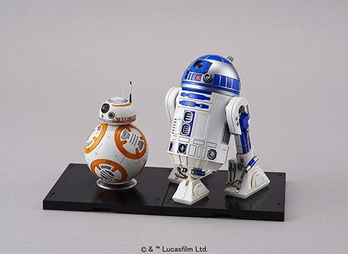 バンダイがこだわり抜いて商品化したスター・ウォーズのプラモデル。「ミレニアム・ファルコン」(上)、「ダース・ベイダー」(中左)、「ストーム・トルーパー」(中右)、「BB-8」と「R2-D2」(下)