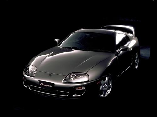 1993年に登場した第4世代(A80型)のスープラ