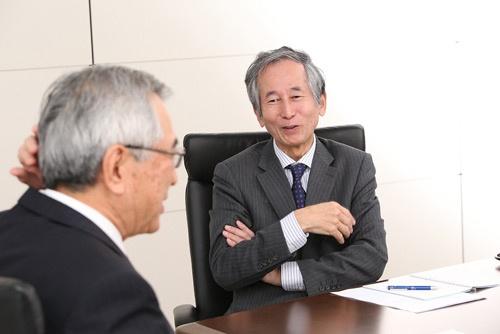 早稲田大学ビジネススクールの内田教授