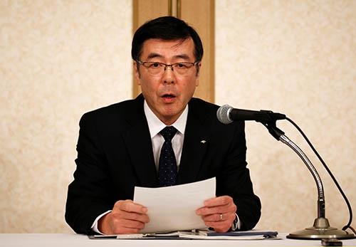 神戸製鋼所の新社長に4月1日付で就任した山口貢新社長は、「神鋼が変わったと言われるよう不退転の覚悟で取り組みたい」と、品質データ改ざんで失墜した信頼の回復に努めることを宣言した。(写真:ロイター/アフロ)