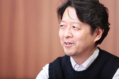 <b>佐々木裕一(ささき・ゆういち)</b><br /> 1968年生まれ。92年、一橋大学社会学部卒業後、電通に入社。その後、アーサー・D・リトル・ジャパン、NTTデータ経営研究所に勤務。2009年、慶應義塾大学大学院政策・メディア研究科博士課程修了(政策・メディア博士)。現在、東京経済大学コミュニケーション学部教授。ソーシャルメディアとネット広告、情報サービス産業などの研究に取り組む。ソーシャルメディアの収益モデル史・社会史に関する15年以上にわたる調査を継続中。