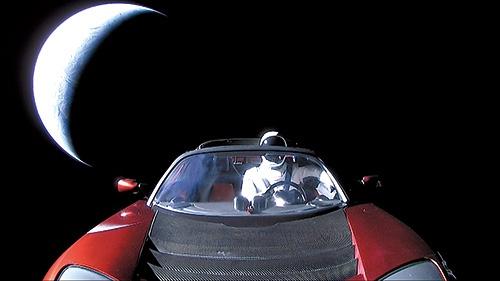 """<span class=""""fontBold"""">米テスラの「ロードスター」を積んだ米スペースX のロケット「ファルコンヘビー」が打ち上がった</span>"""