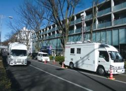 <b>NTTドコモの5G向け技術の屋外での実験風景。今後は新たなサービスの創出に向けた実験にも力を入れる</b>