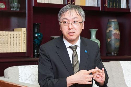 <b>山本一郎(やまもと・いちろう)</b><br/> 1973年、東京生まれ、1996年、慶應義塾大学法学部政治学科卒。ベンチャービジネスの設立や技術系企業の財務・資金調達など技術動向と金融市場に精通。東京大学と慶應義塾大学で設立された「政策シンクネット」では高齢社会対策プロジェクト「首都圏2030」の研究マネジメントも行う。