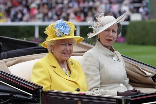エリザベス女王の登場には大きな歓声が沸き起こった(写真/Toshiyuki Murata)
