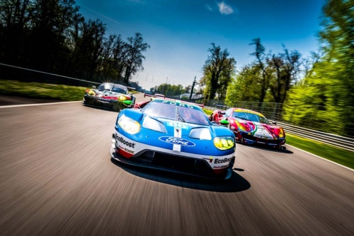 WECのGTE PROクラスに参戦する各社のマシン。左からポルシェ、フォード、フェラーリ(写真:John Rourke)