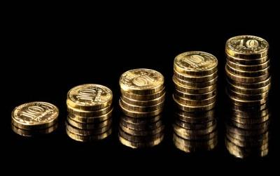 一般的には多くの企業に分散投資した方が、リスクを低く抑えられるのだが…。(写真:PIXTA)