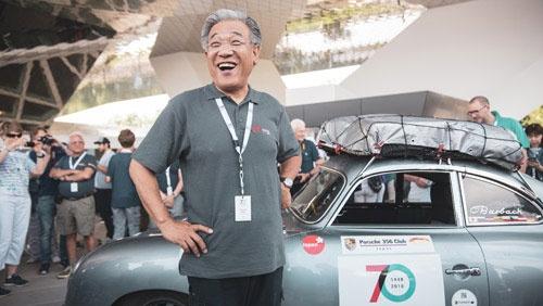 日本からドイツのポルシェ本社まで1万5463kmを、1953年式のポルシェ356で完走した「ポルシェ 356 クラブ・オブ・ジャパン」会長の鈴木利行さん