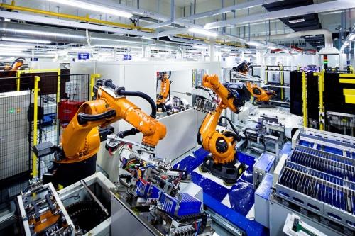 CATLの電池セル自動化製造工場