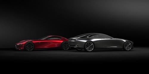 もうひとつのビジョンモデル「RX-VISION」(左)とVISION COUPE。それぞれ「艶(えん)」と「凛(りん)」を表現