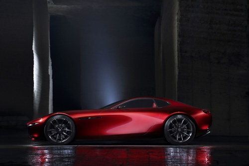 RX-VISIONはロータリーエンジンを積むスポーツカーとしてデビューするのか