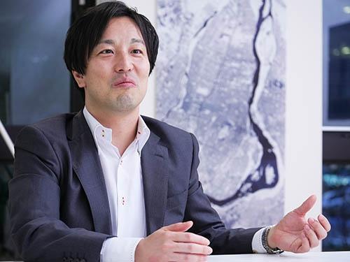 <b>中村友哉(なかむら・ゆうや)氏<br />アクセルスペース代表取締役</b><br />1979年三重県生まれ。東京大学大学院工学系研究科航空宇宙工学専攻博士課程修了。在学中に超小型衛星の開発に携わる。卒業後、同専攻での特任研究員を経て2008年にアクセルスペースを設立し、代表取締役に就任。(写真:加藤 康)