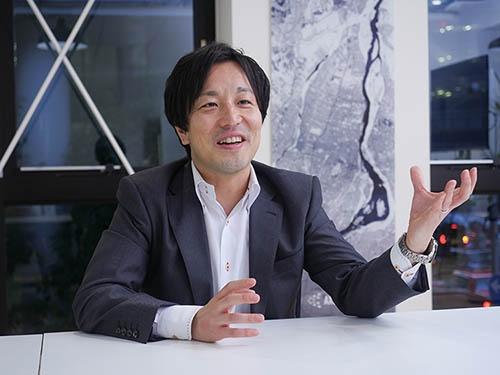 <b>中村友哉(なかむら・ゆうや)氏<br />アクセルスペース代表取締役</b><br />1979年三重県生まれ。東京大学大学院工学系研究科航空宇宙工学専攻博士課程修了。在学中に超小型衛星の開発に携わる。卒業後、同専攻での特任研究員を経て2008年にアクセルスペースを設立し、代表取締役に就任(写真:加藤 康)