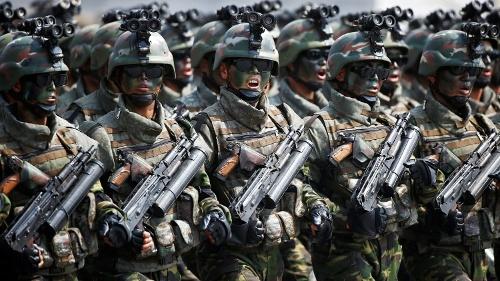 北朝鮮の軍事パレードに米国はどう応じるのか (写真:ロイター/アフロ、2017年4月撮影)