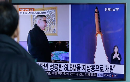2月12日の中距離弾道ミサイル発射で、北朝鮮はレッドラインを越えた(写真:AP/アフロ)