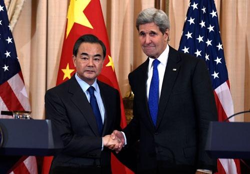 米中は2月23日の外相会談で「米朝平和協定」も話し合う6カ国協議の開催に合意した。韓国は寝耳に水だったようだ(写真:AP/アフロ)