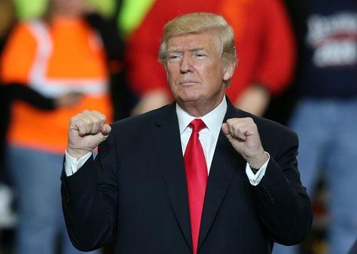 トランプ大統領は3月29日のオハイオ州での演説で、韓国を威嚇した。(写真:UPI/アフロ)