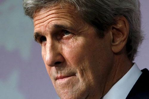 4月11日、G7外相会合に出席したケリー米国務長官が広島で会見。朝鮮半島の非核化と引き換えに「平和条約」「不可侵協定」を話し合えると言及した(写真:ロイター/アフロ)
