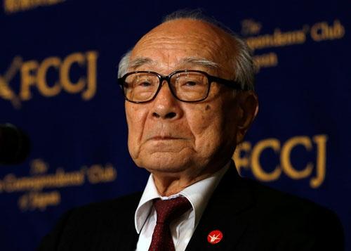 日本原水爆被害者団体協議会の田中煕巳事務局長は、被爆地・広島を訪問するオバマ大統領に向け「核兵器廃絶の先頭に立ってほしい」と感情を抑えて語る(写真:ロイター/アフロ)