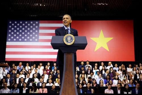 5月24日、オバマ大統領は広島訪問に先立ち、ベトナム・ホーチミンで演説。対中包囲網の構築に向け、旧敵と新たな一歩を踏み出した。韓国が「過去」に拘泥する間に、アジア情勢は急速に変化している(写真=ロイター/アフロ)
