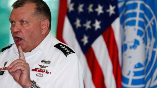 サーマン元司令官はVOAのインタビューで「米国は自分を守るのに、いかなる承認も必要としない」と答えた(写真:ロイター/アフロ 撮影は2013年、板門店で開かれた朝鮮戦争休戦60周年記念式典)