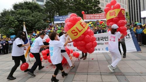 北朝鮮の6回目の核実験を受け、9月11日にソウルで行われた抗議デモ(写真:AP/アフロ)