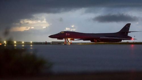 9月23日夜、米B1B爆撃機が北朝鮮東方沖を飛行(提供:U.S. Air Force/AP/アフロ)