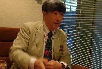 <b>真田 幸光(さなだ・ゆきみつ)</b><br/> 愛知淑徳大学ビジネス学部・研究科教授(研究科長)/1957年東京生まれ。慶応義塾大学法学部卒。81年、東京銀行入行。韓国・延世大学留学を経てソウル、香港に勤務。97年にドレスナー銀行、98年に愛知淑徳大学に移った。97年のアジア通貨危機当時はソウルと東京で活躍。2008年の韓国の通貨危機の際には、97年危機の経験と欧米金融界に豊富な人脈を生かし「米国のスワップだけでウォン売りは止まらない」といち早く見切った。