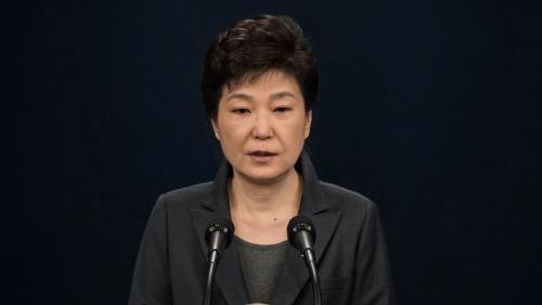 朴槿恵大統領は「弾劾訴追」の逆風を、反撃の狼煙に変えようとしている(写真:代表撮影/ロイター/アフロ)