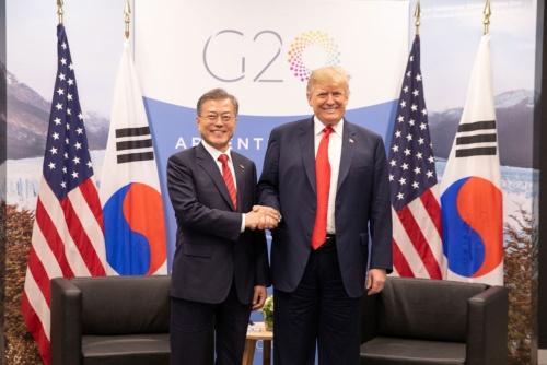 20カ国・地域(G20)首脳会議に合わせ、11月30日に開催された米韓首脳会談は「非公式」に格下げされた(写真:White House/ZUMA Press/アフロ)
