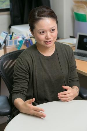 東京大学大学院総合文化研究科准教授の四本裕子さん。