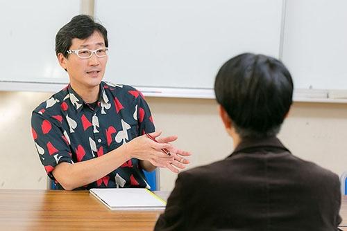 川上和人さんは西之島の調査も続けている。