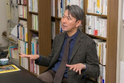 国立精神・神経医療研究センター、薬物依存研究部長の松本俊彦さん。