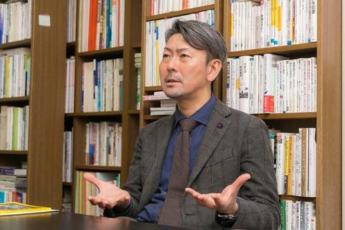 医療機関から地域の支援組織までが連携して依存症患者を支える仕組みが必要だと松本さんは力説した。