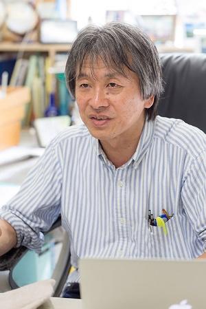 高田秀重さんは、中学・高校時代から化学部に入っていたという。