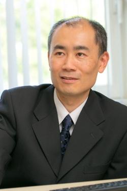文京学院大学人間学部教授の村井潤一郎さん。
