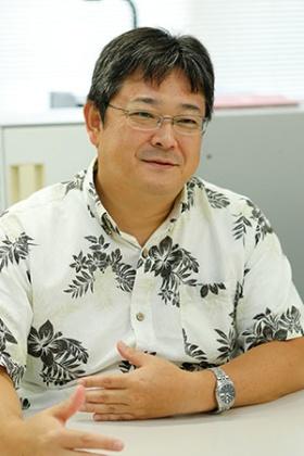 沖縄美ら島財団総合研究センター動物研究室室長の佐藤圭一さん。