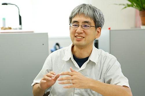 沖縄美ら島財団総合研究センターの冨田武照さん。