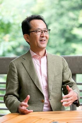 日本の野生動物のさまざまな問題に長く携わってきた羽山伸一さん。