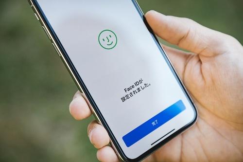 「顔認証」はiPhoneXでも話題になった。
