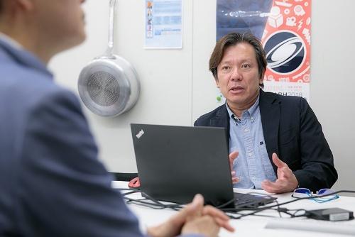 早稲田大学の森島繁生教授。当然、教授は研究者であると同時に教育者でもある。