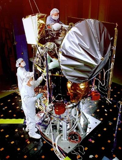 試験中のマーズ・クライメイト・オービター。(Image:NASA/JPL)