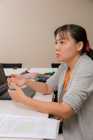 野生のオランウータンを10年以上研究している久世濃子さん。