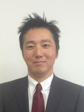 木村 朋聡 (きむら ともあき)氏<br /> GEライティング・ジャパン社長。2002年3月GEインターナショナル香港に入社。ライティング事業部・アジアテクニカル照明商品部長として、自動車照明と特殊照明事業を手掛ける。その後、アジアパシフィックLED事業部長としてLED事業の立ち上げを推進。2012年2月GEライティング・ジャパン社長に就任。2016年3月、北アジア地区代表に就任し、日本と韓国の照明事業を統括する。