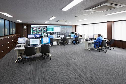 相模原工場にある発電設備の遠隔監視センター