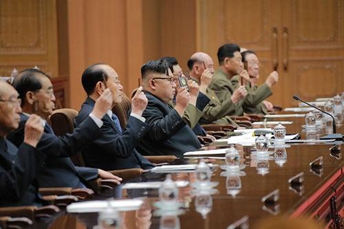金正恩氏が、国務委員会の委員長に就任した(写真:KCNA/新華社/アフロ)