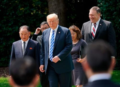 訪米した北朝鮮の金英哲氏(左)。この一行に、金聖恵もいたという(写真:AP/アフロ)