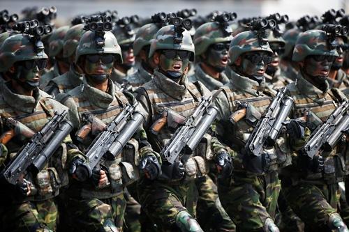 米国と北朝鮮軍が対峙する日は来るか(写真:ロイター/アフロ)